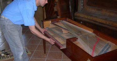 Démontage d'un piano pour son transport